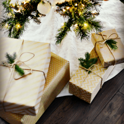 Christmas Gifts for the Family Under $10